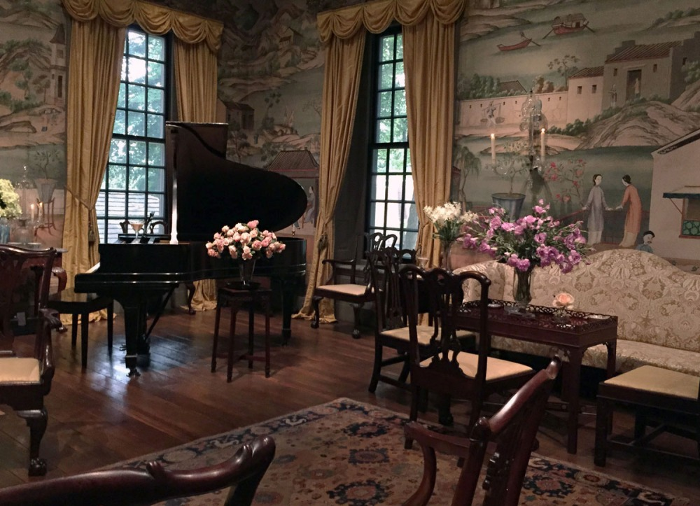 The Chinese Parlor at Winterthur. The orientalist images on the wall were actually wallpaper, not painting-- though apparently Mr. DuPont hired a painter to fill in the gaps caused by doorways and suchlike.