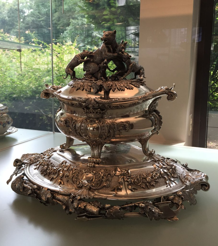 And for something really over-the-top, here's a silver tureen with an elaborate base and a Barye-esque tableau atop the lid. I guess this was intended for some kind of crazy game-based stew? Certainly something more substantial than chicken noodle.
